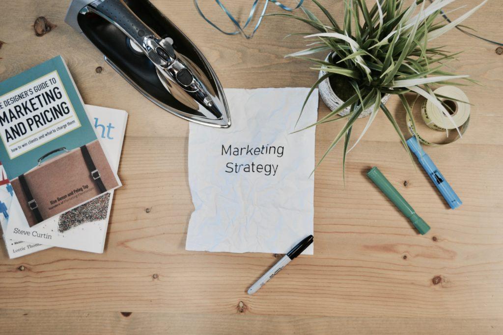 Yrityksen markkinointi ja vinkit pienyrityksen markkinointiin.